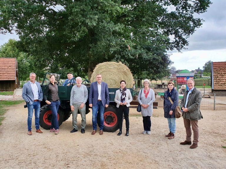 CDU Weeze besucht Weezer Tierpark